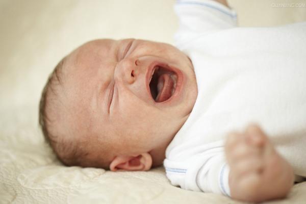 Sử dụng điều hòa cho trẻ sơ sinh đúng cách trong ngày nắng nóng