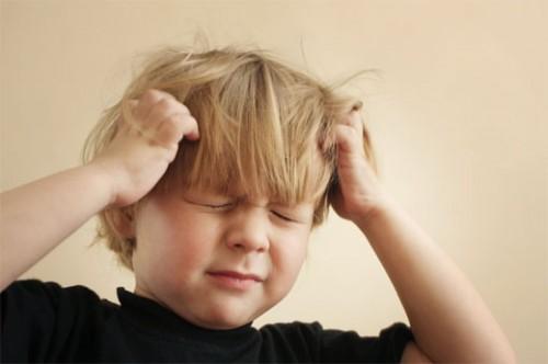 5 nguyên nhân gây đau đầu ở trẻ nhỏ cha mẹ cần cảnh giác